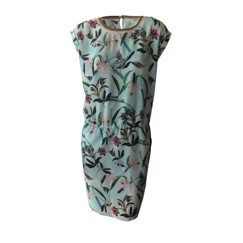 This beautiful dress is a photo print with aqua, green and beautiful blush. Made by Scotch & Soda out of the Netherlands, this teen summer dress this will be a bestseller.