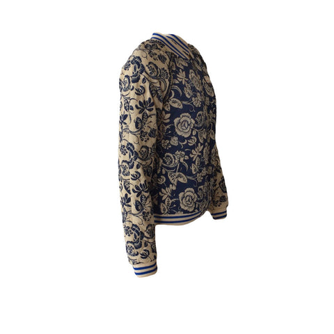 Quilted in a soft linen-cotton mix, this floral bomber jacket by Scotch & Soda is padded and lined for extra warmth. The bomber is adorned with a Bedouin print, pockets & front zipper.
