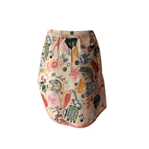 This photo wrap skirt by Scotch & Soda,with it's high-low design is the perfect teen skirt. Playful print, gorgeous fabric and comfortable waist line makes this a divine addition to any wardrobe. Add some metallic to dress it up or colourful flip flops for a down low look.