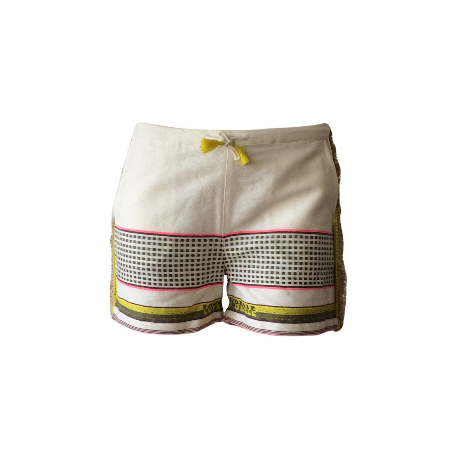 These white fringed beach shorts are crafted from crisp cotton and printed in high-summer patterns. The shorts are finished with a fringed tape trim, how totally awesome is thatjQuery111109380586421008492_1506663365975