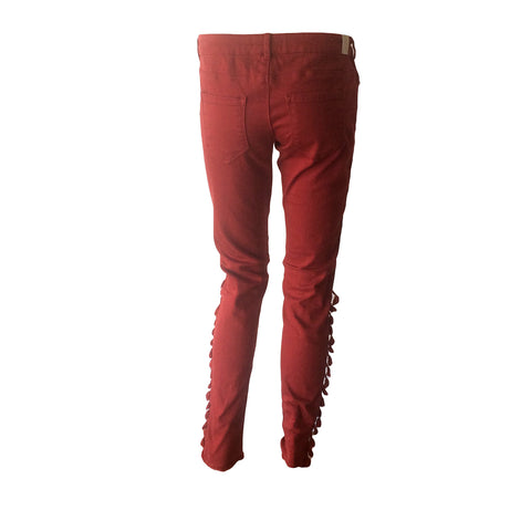 Moto jeans in rusty red with fringe detail by Scotch & Soda. We're in LOVE.  These Spring pants are perfect to create a perfect gypsy traveller teen look. Soft & stretchy.