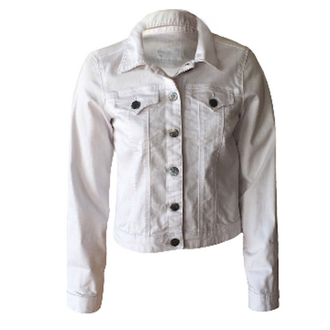 You'll be looking fresh in this white denim jacket by NYC Label Tractr. A year round staple it looks great with any dress, playsuit or double denim.  Cute denim.