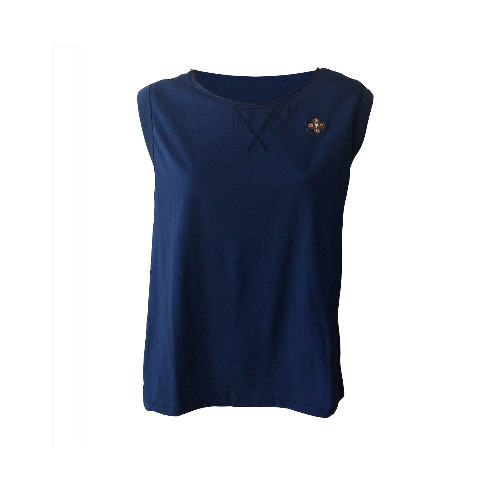 This Hi-Lo Tee by Scotch & Soda is a combination of navy block colours and batik. Ocean greens combine with navy for a versatile, comfortable and beautifully made tee.