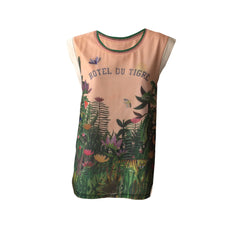 We are in love with this gorgeous Hotel du Tigre Tank Top by Scotch R'belle. Great colour combo, good cut and an interesting print makes this tank exquisite.