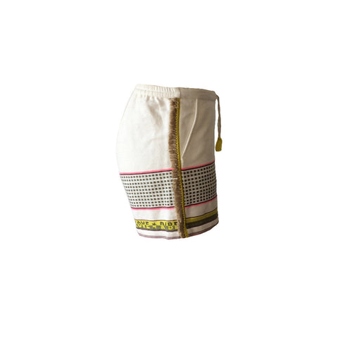 These white fringed beach shorts are crafted from crisp cotton and printed in high-summer patterns. The shorts are finished with a fringed tape trim, how totally awesome is that??