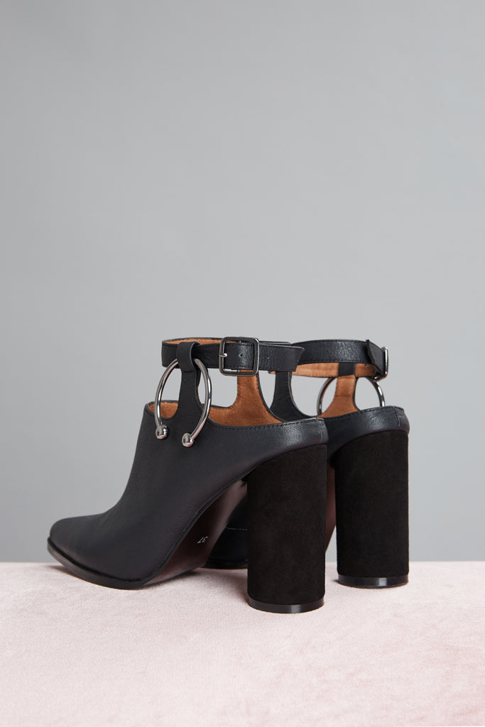 DIVERGE BLOCK HEEL black