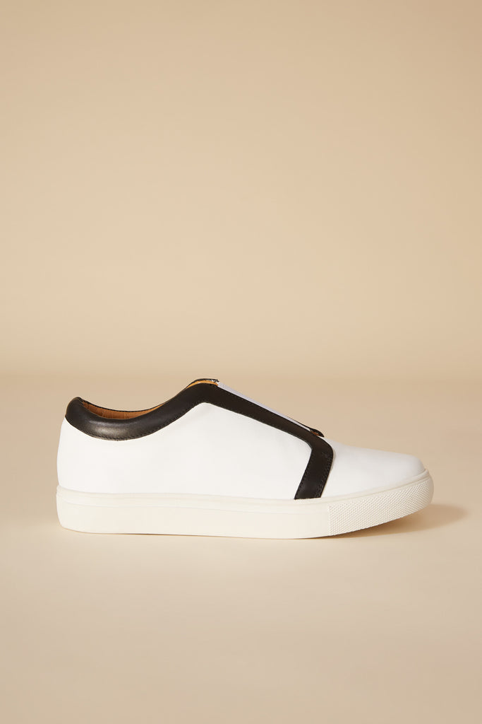 REFINED MONOCHROME SNEAKER cloud