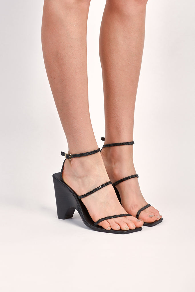 WOVEN WEDGE black