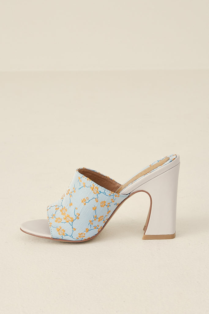 CRESCENT BROCADE HEEL cornflower