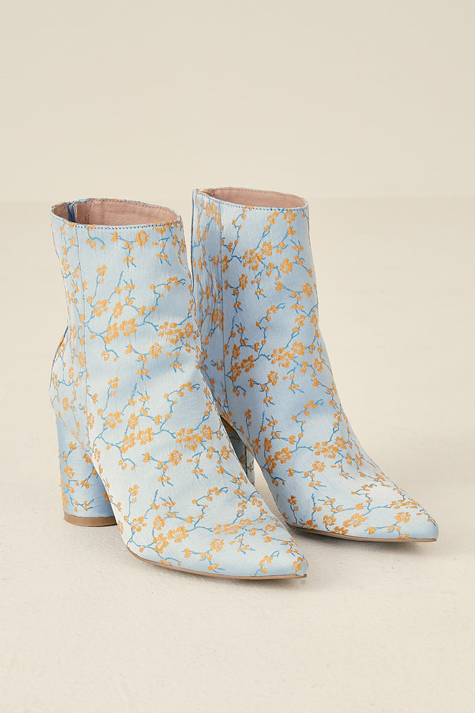 FORWARD BROCADE BOOT cornflower