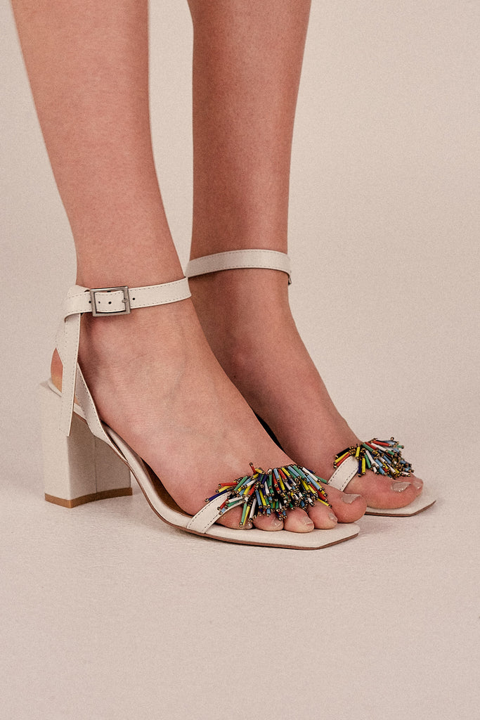 ESSENTIAL BEADED SANDAL ivory