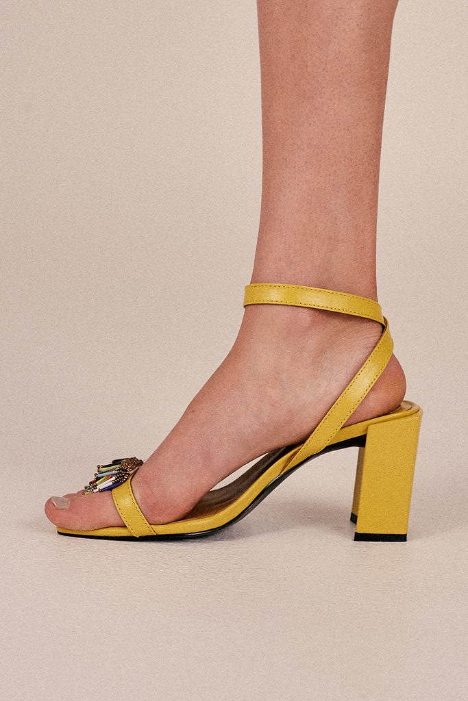 ESSENTIAL BEADED SANDAL lemon