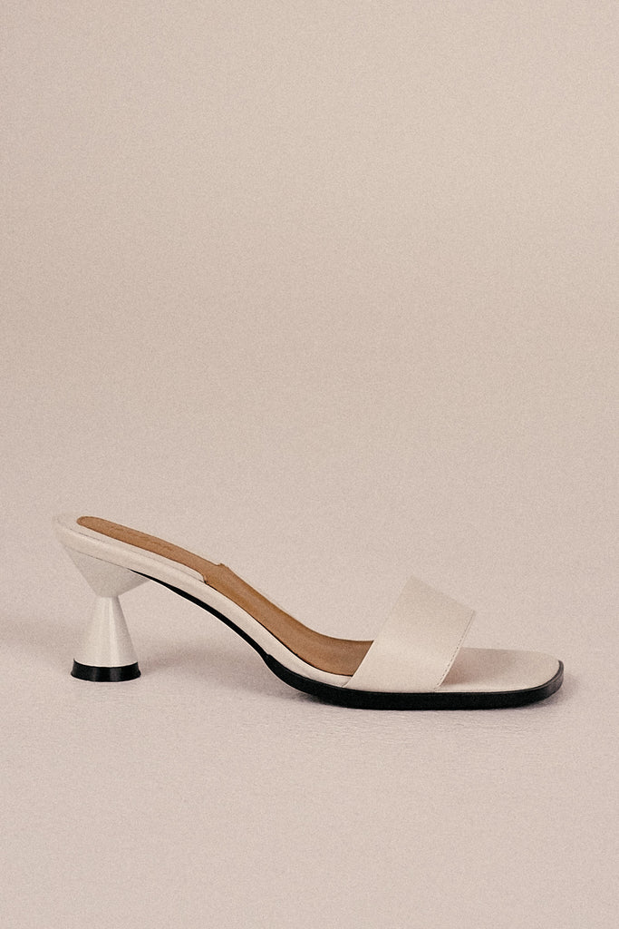 PACE LEATHER SLIDE ivory