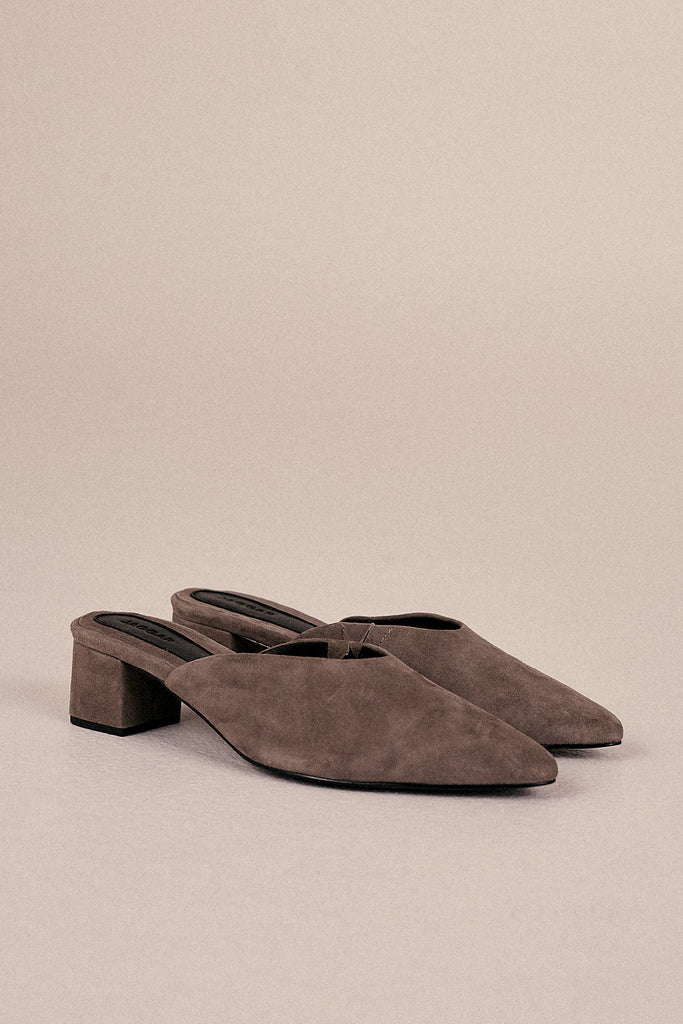 CORE SUEDE MULE gravel