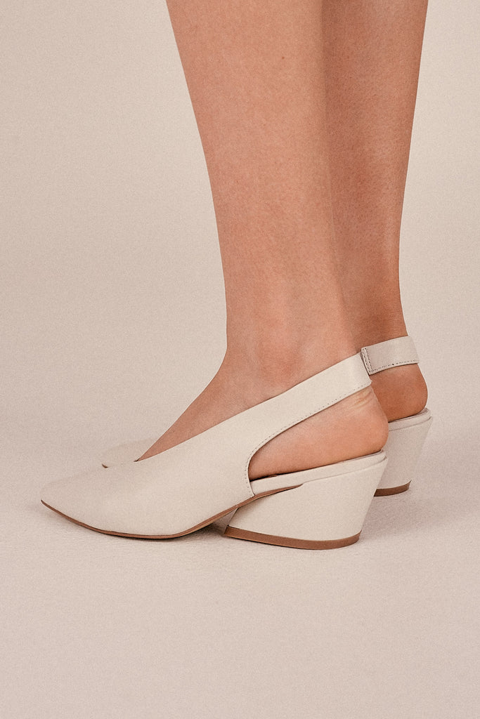 AIM LEATHER SLINGBACK ivory