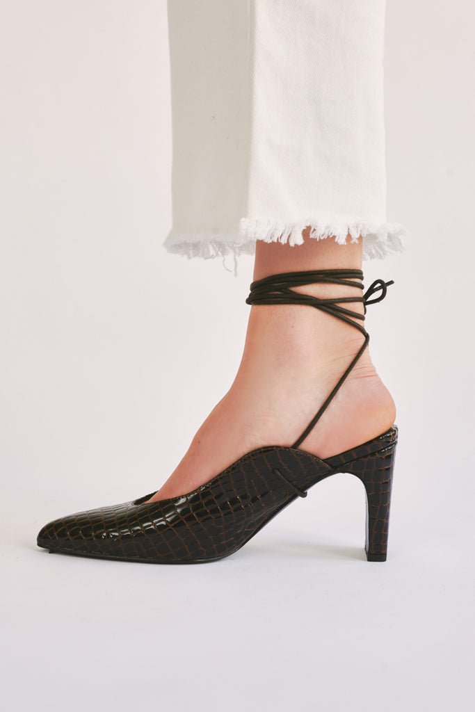 LACED CROC HEEL chocolate