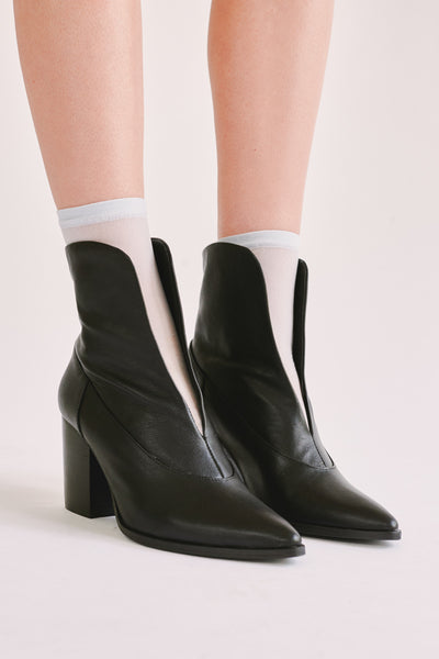 SCALLOP ANKLE BOOT black