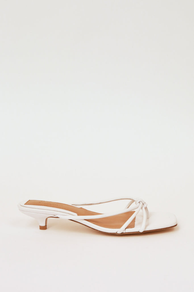 LOOP KITTEN HEEL ivory