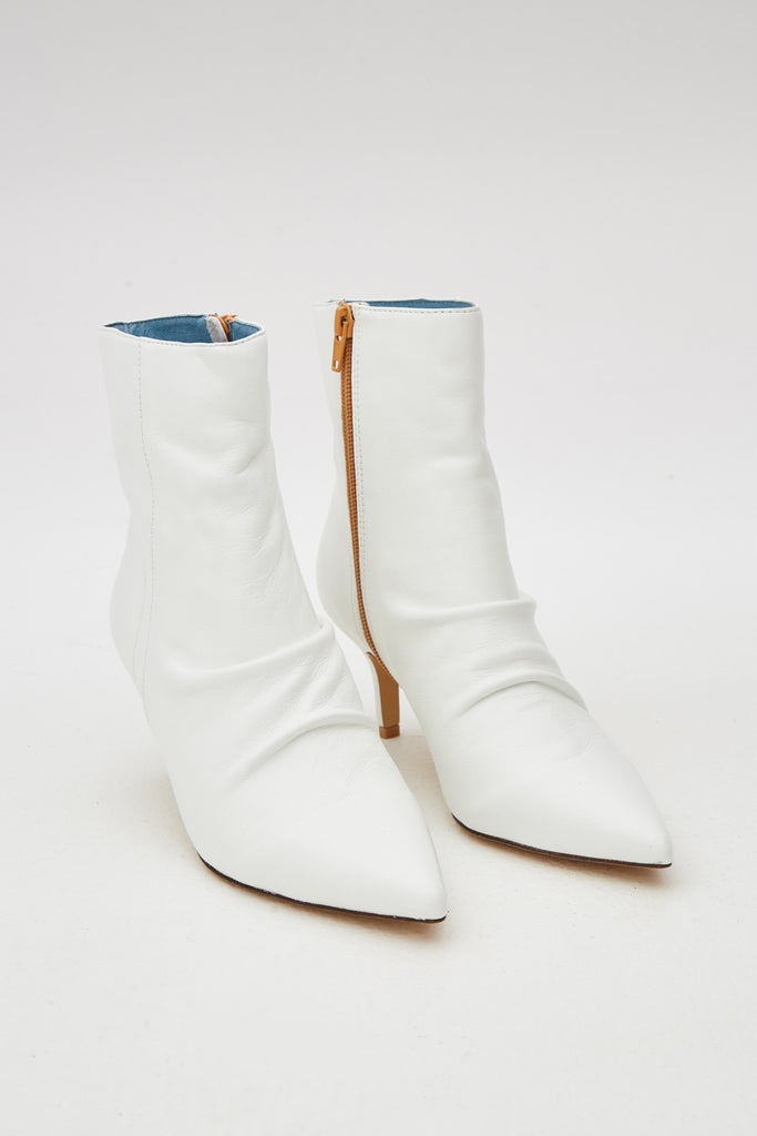 PLEAT LEATHER BOOT ivory