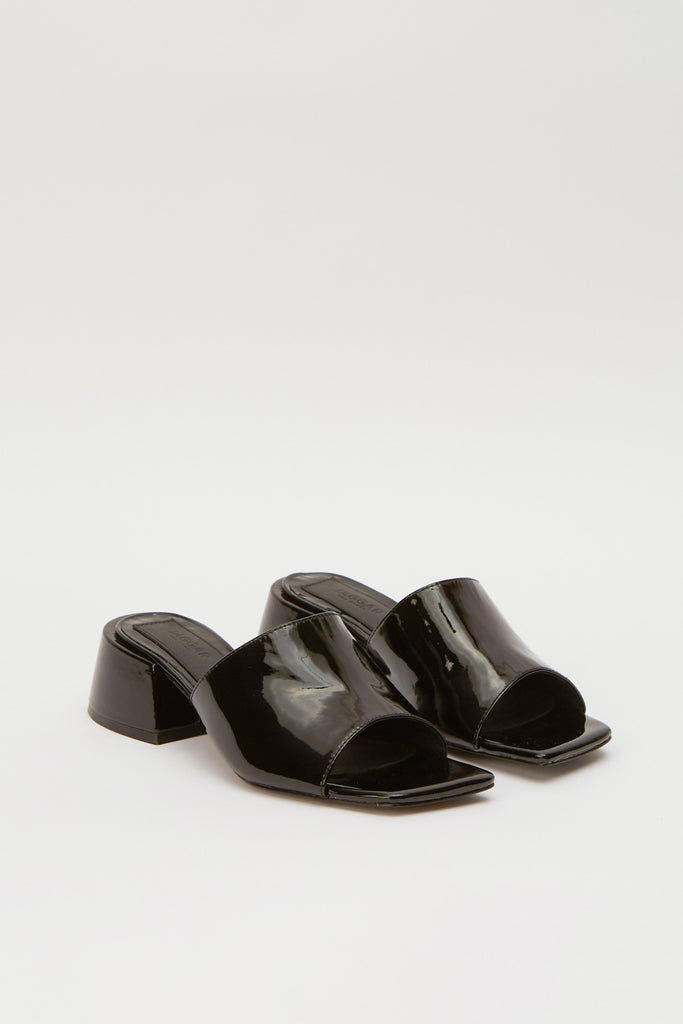 SOLID SLIDE black