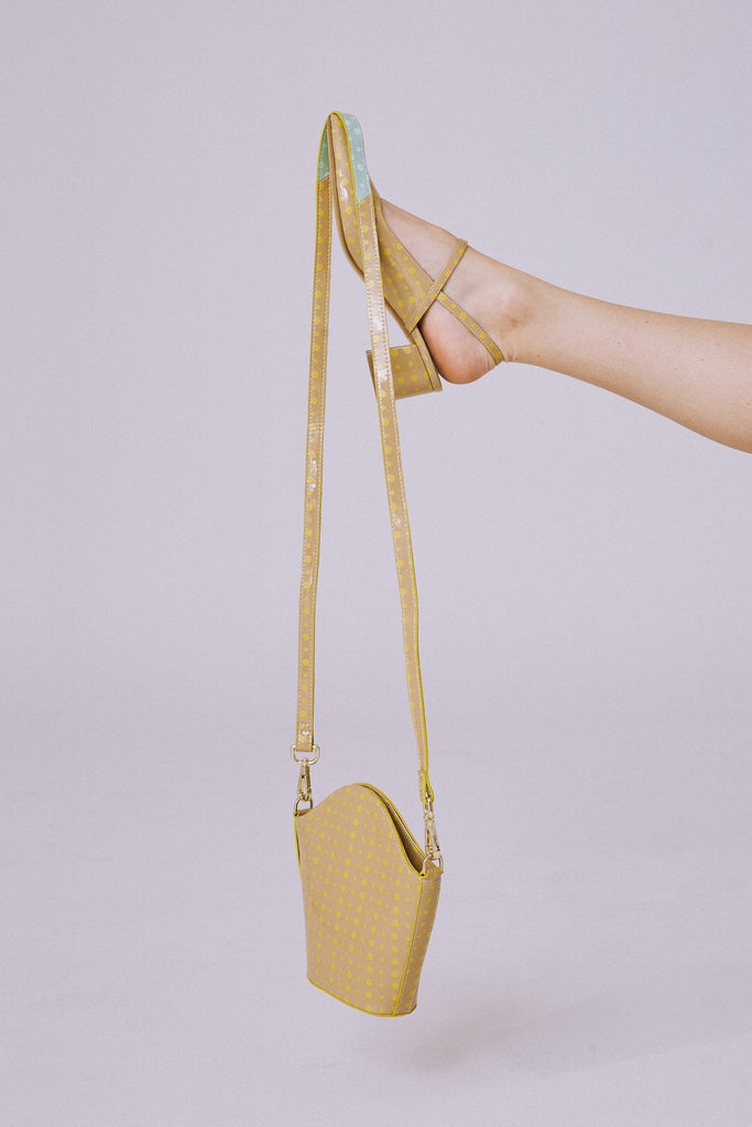 CROSSBODY SPOT BAG nude w yellow