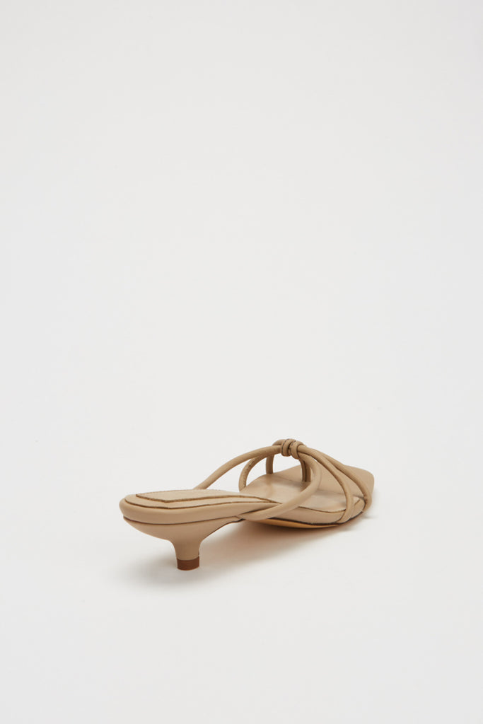 LOOP KITTEN HEEL bone