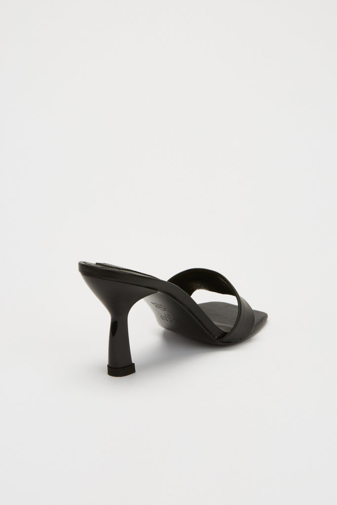OBLIQUE HEEL black