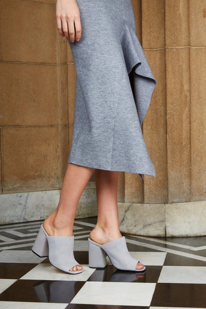 PROJECTION HEEL grey