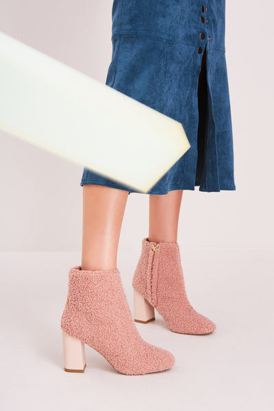 BLOCKED SHEARLING BOOT nude
