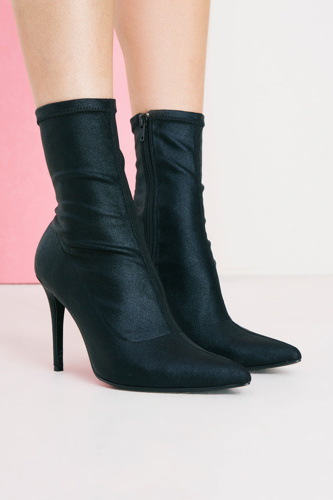 COMPACT SOCK BOOT black