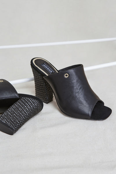 PINNACLE HEEL black