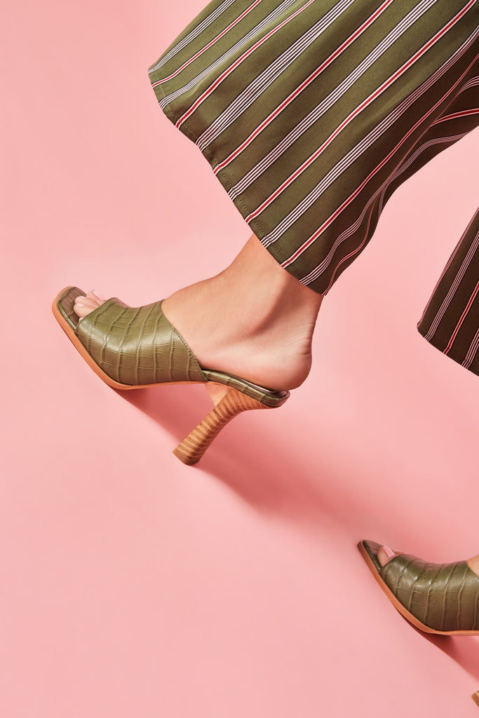 JUNCTURE LEATHER HEEL olive