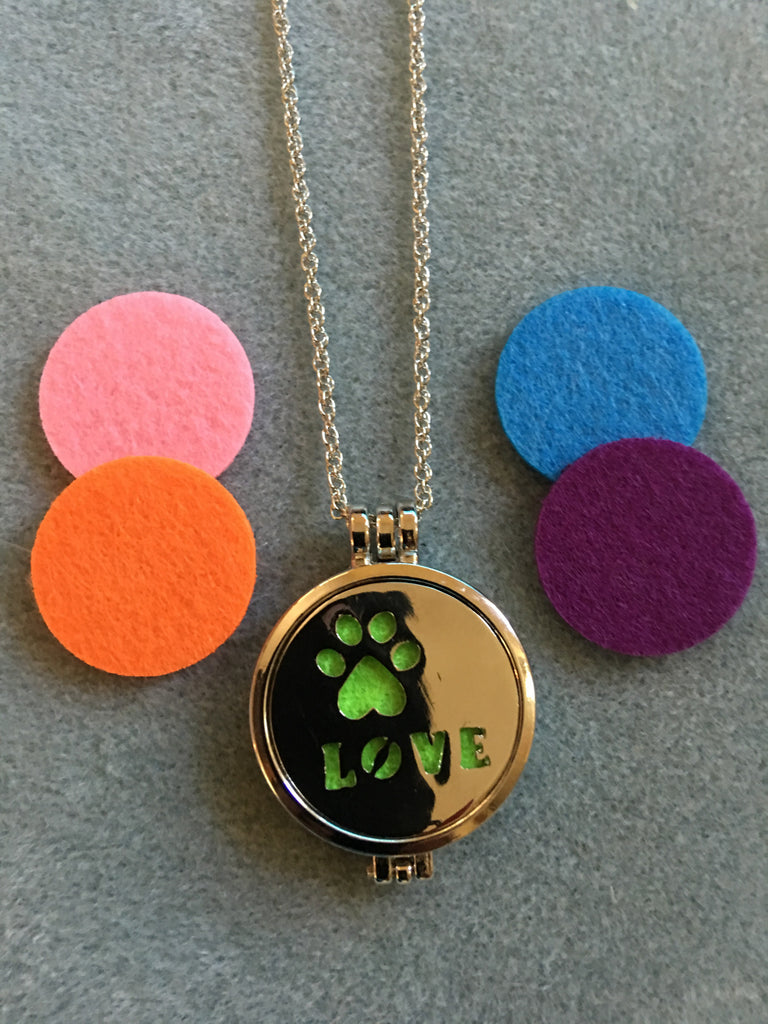 Love Paw Print Necklace Diffuser