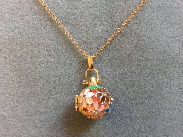 Flower Diffuser Necklace - Gold