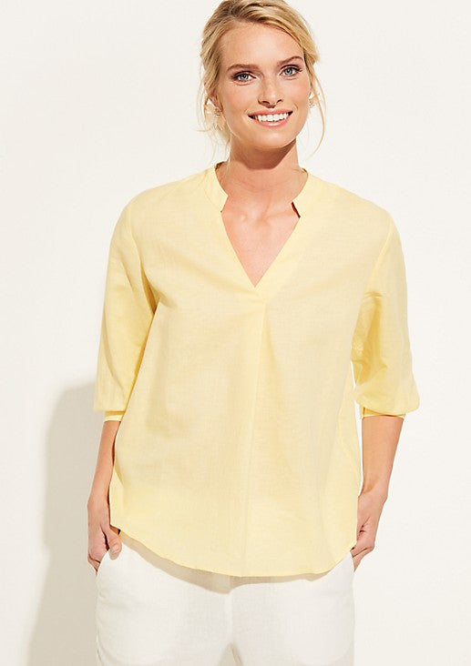 Pale Yellow  Y collared 3/4th Pale Casual Blouse.