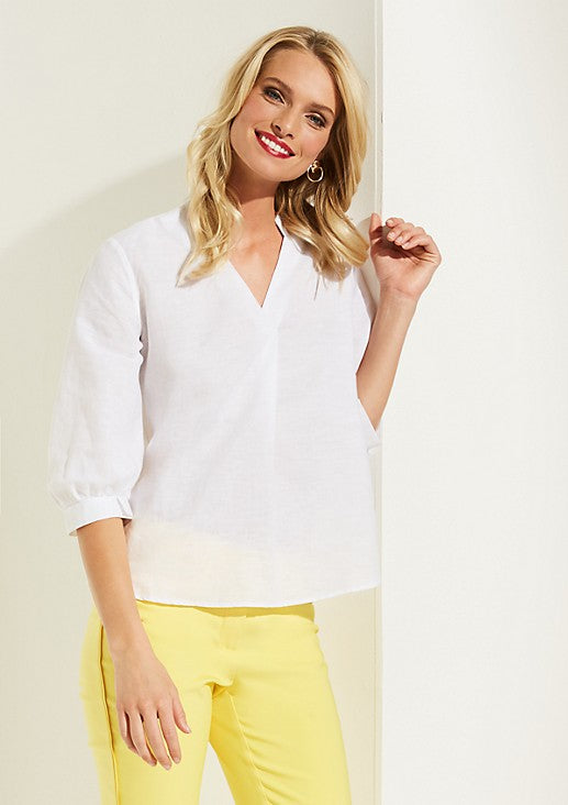 White Y collared 3/4th Sleeves Casual Blouse