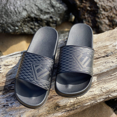 Born Hawaii Accessories TRIANGLE BLACK FOOTWEAR