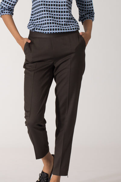 Well fitted, Smart, stylish women's formal pants and trousers for office. Shop online for all sizes including plus size formal trousers and pants at www.intermod.in