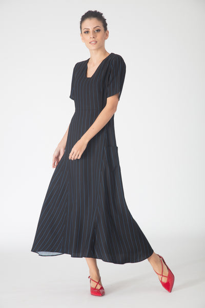 Nila Patch pocket Maxi Dress