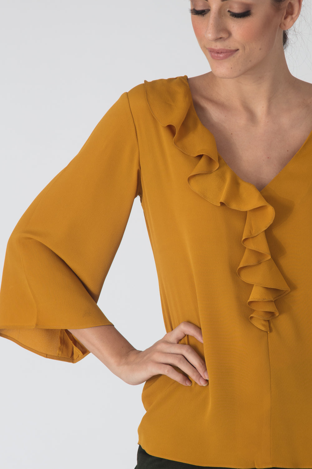 Antilly Ruffle Flowy Blouse