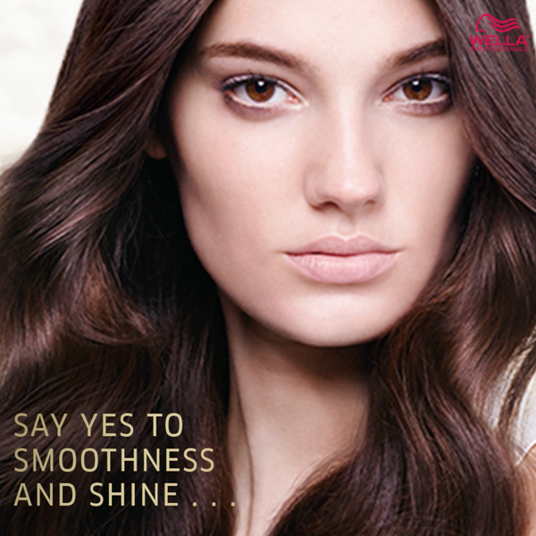 GET SMOOTHER, SHINIER HAIR Instantly  Oil reflections Shine Treatment