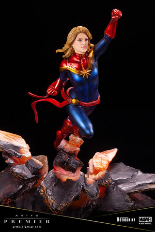 Kotobukiya - ARTFX Premier - Marvel - Captain Marvel (1/10 Scale)