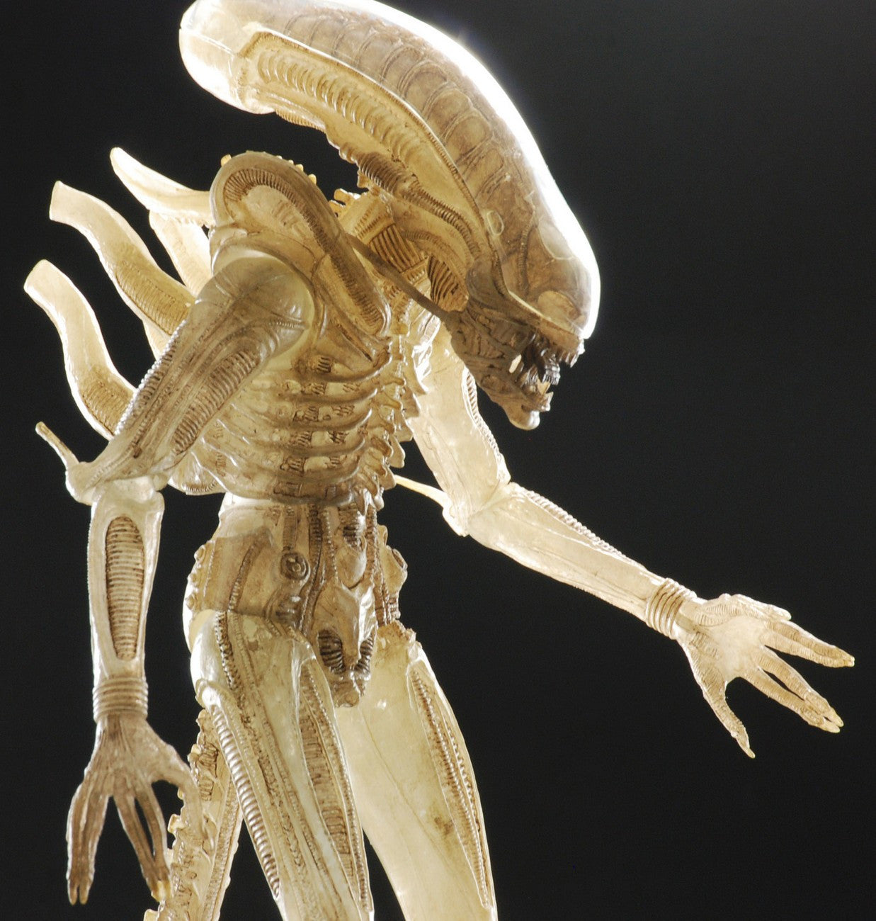 Neca - Alien - 1/4 Scale Translucent Prototype Suit Concept Figure - Marvelous Toys - 2