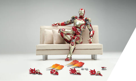Comicave Studios - Omni Class: 1/12 Scale Iron Man Mark XLII with Sofa (SDCC 2016 EXCLUSIVE) - Marvelous Toys - 1