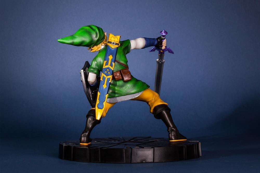 First 4 Figures – The Legend of Zelda: Skyward Sword - Skyward Sword Link Vinyl Statue - Marvelous Toys - 13
