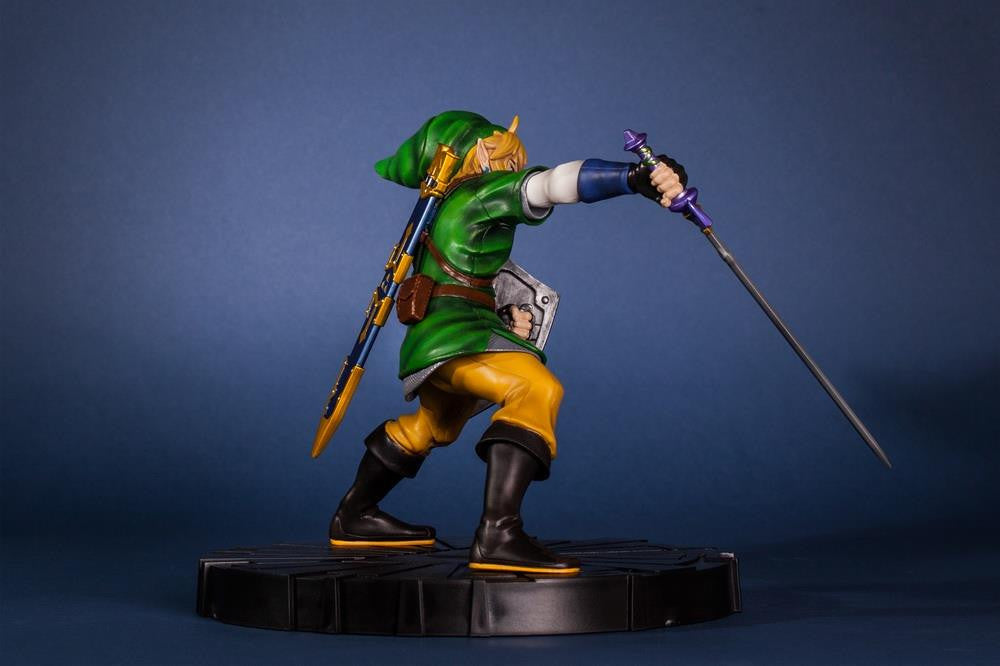 First 4 Figures – The Legend of Zelda: Skyward Sword - Skyward Sword Link Vinyl Statue - Marvelous Toys - 15