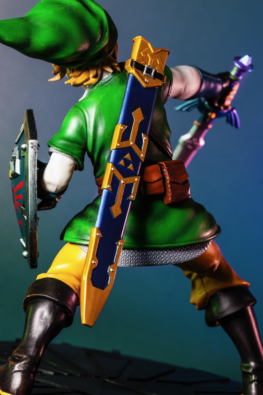 First 4 Figures – The Legend of Zelda: Skyward Sword - Skyward Sword Link Vinyl Statue - Marvelous Toys - 7