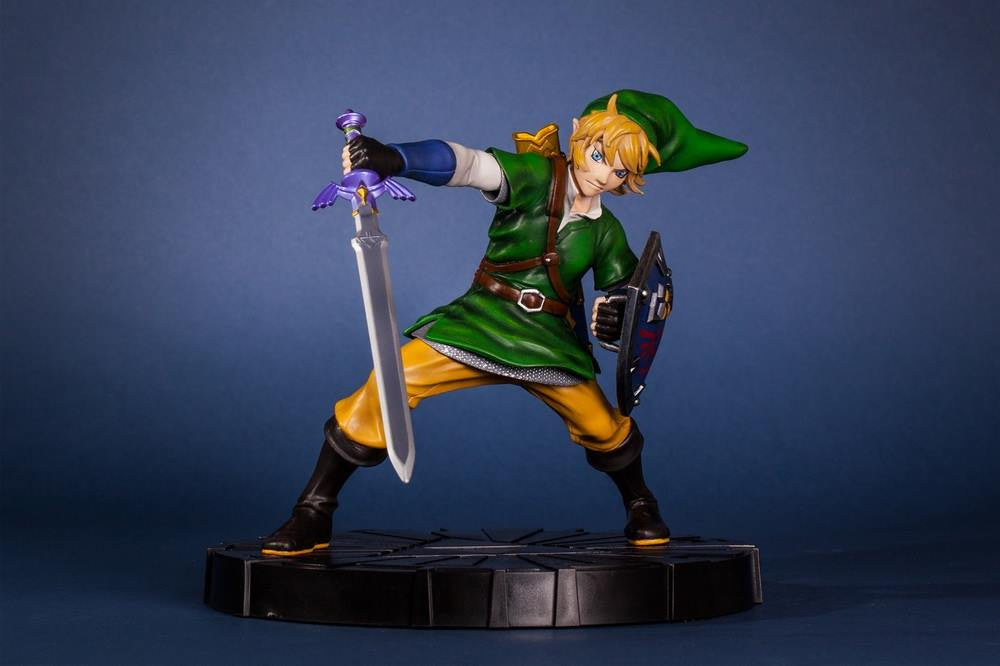 First 4 Figures – The Legend of Zelda: Skyward Sword - Skyward Sword Link Vinyl Statue - Marvelous Toys - 16