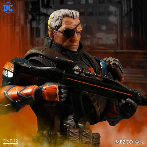 Mezco - One:12 Collective - Deathstroke - Marvelous Toys - 2