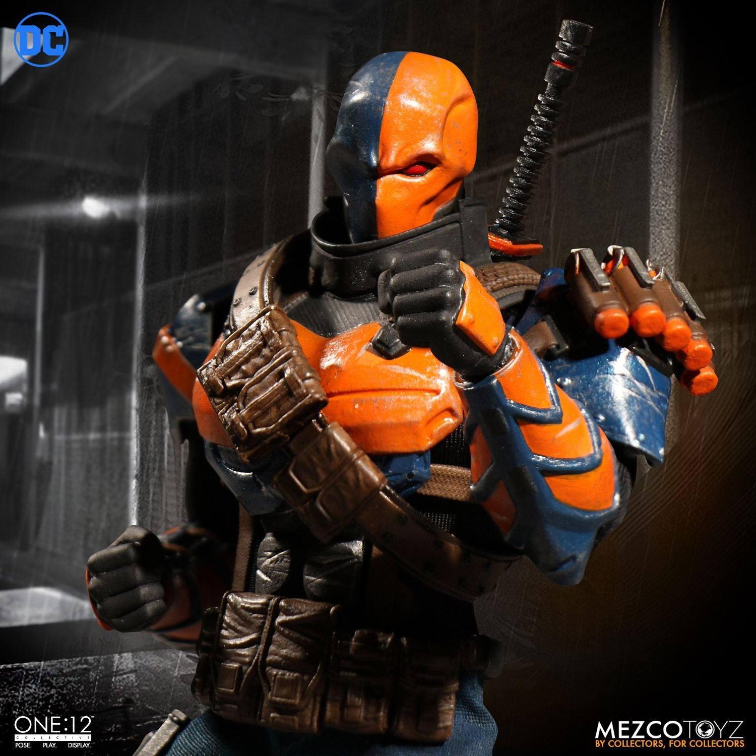 Mezco - One:12 Collective - Deathstroke - Marvelous Toys - 3